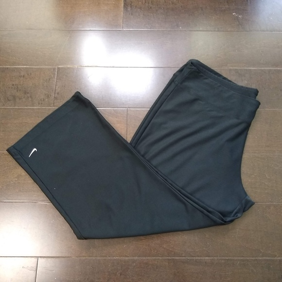 Nike Pants - Nike | Fit Dry Capri Workout Pants